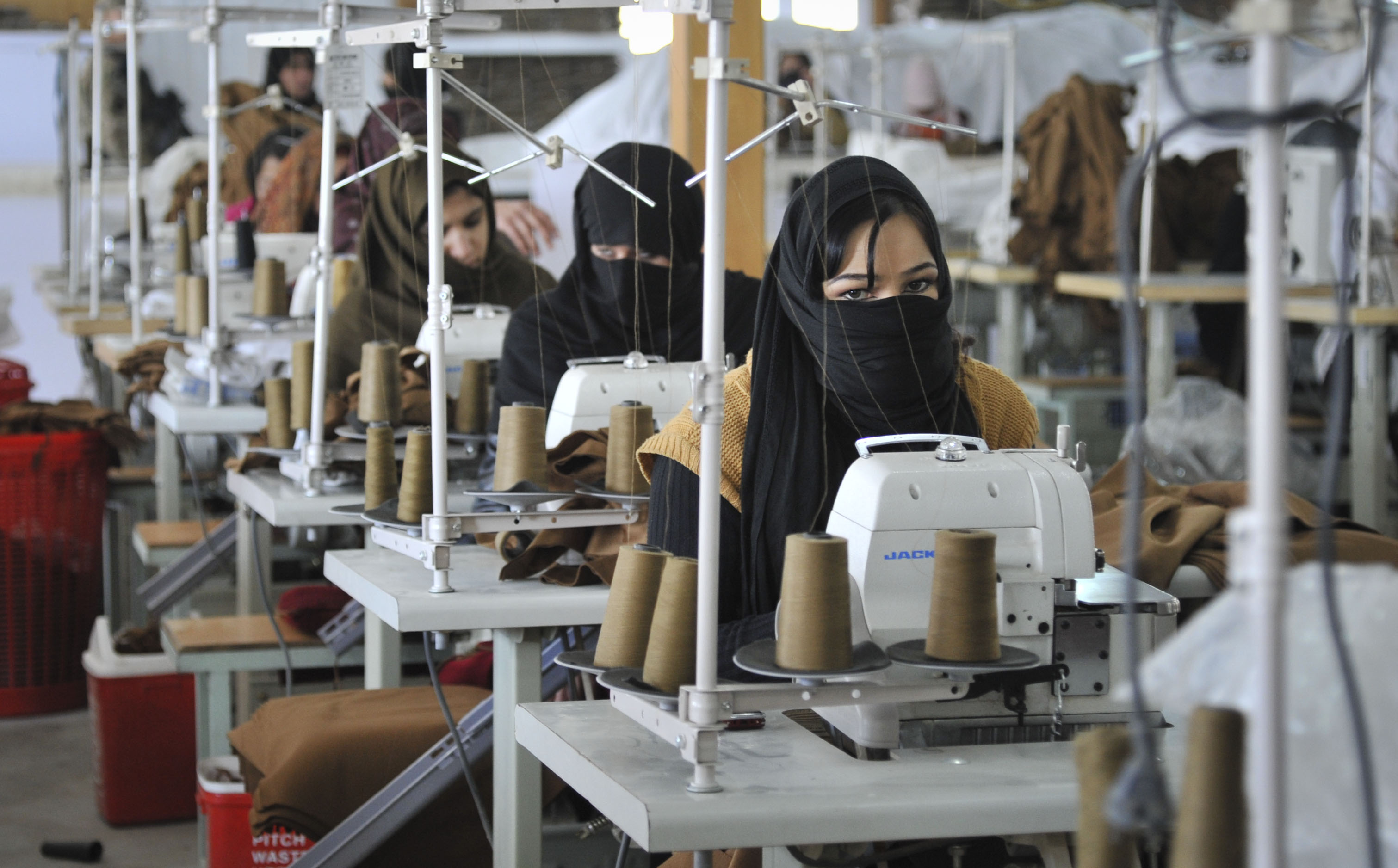 Afghan_women_at_a_textile_factory_in_Kabul.jpg